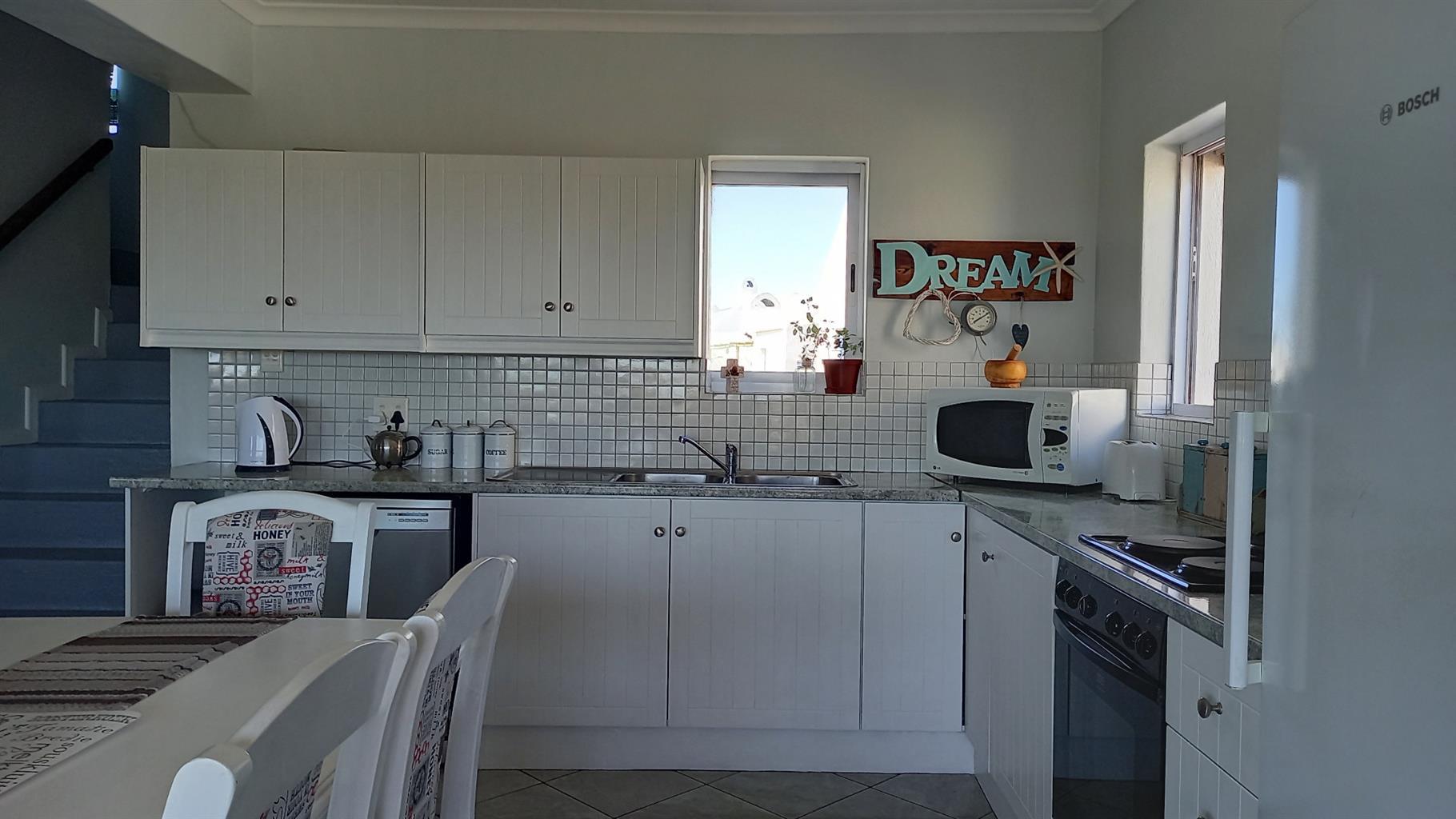 House For Sale in Lampiesbaai