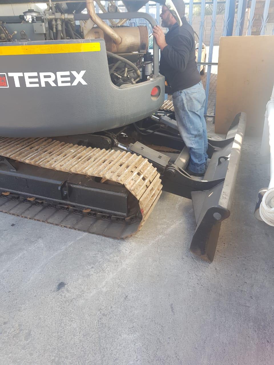 2007 Terex 7.5 ton mini excavator for sale