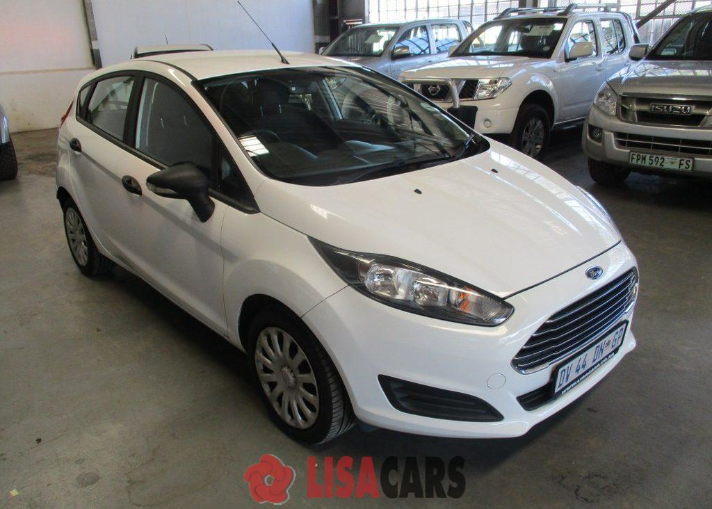 2015 Ford Fiesta hatch 5-door FIESTA 1.6i AMBIENTE 5Dr