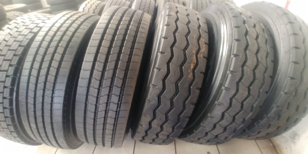 315/80.22.5 AND 12R.22.5 SECOND HAND TRUCK TYRES