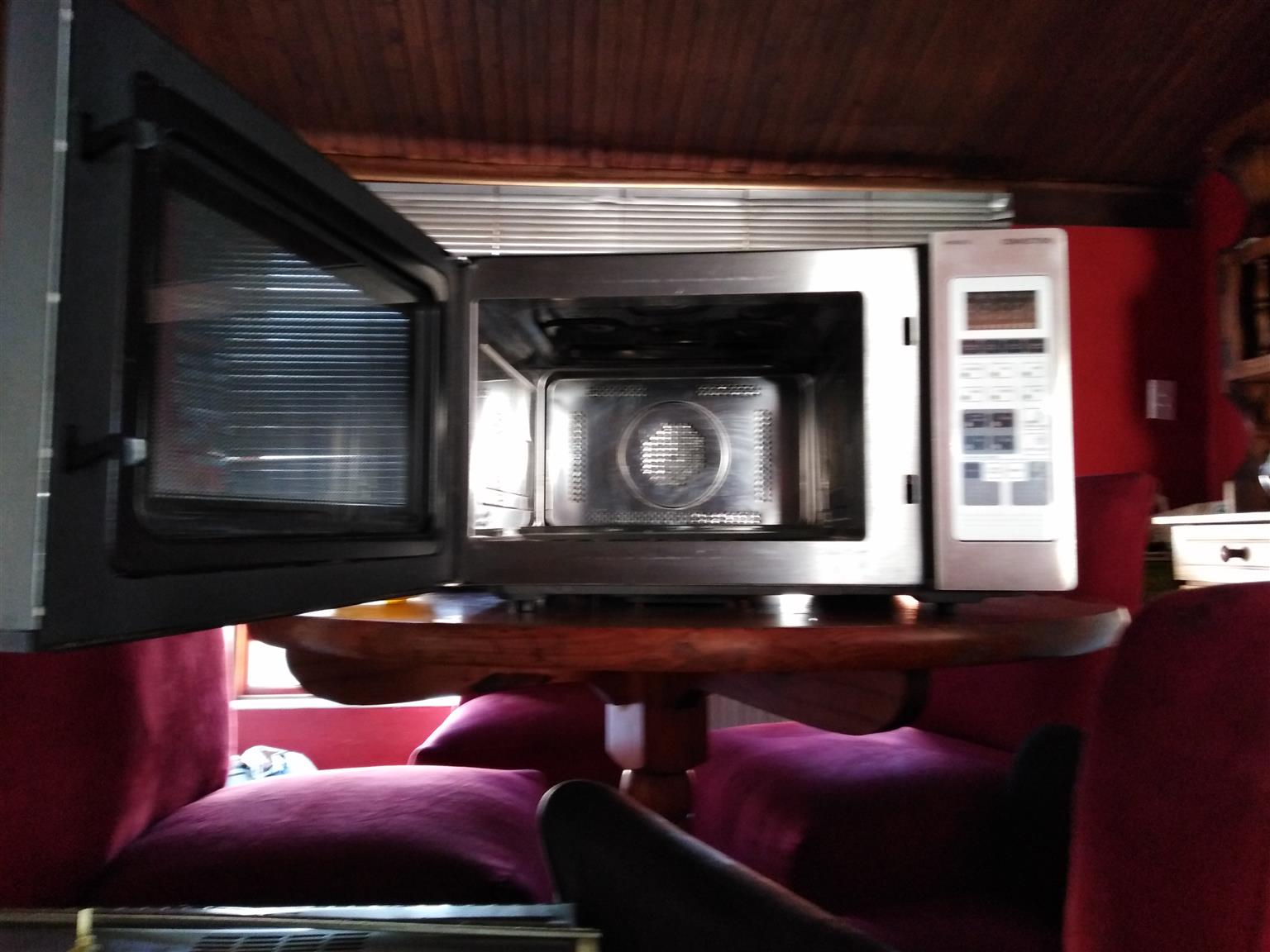 Whirlpool oven & Kelvinator Convection Microwave