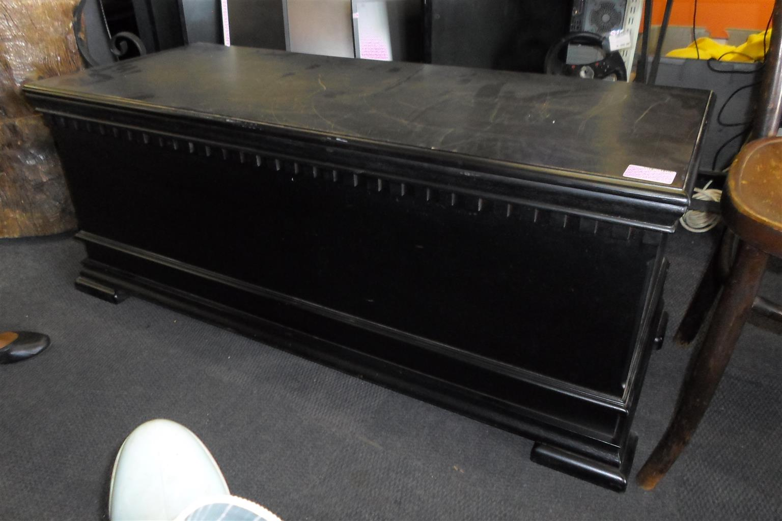 Wooden Kist - Black