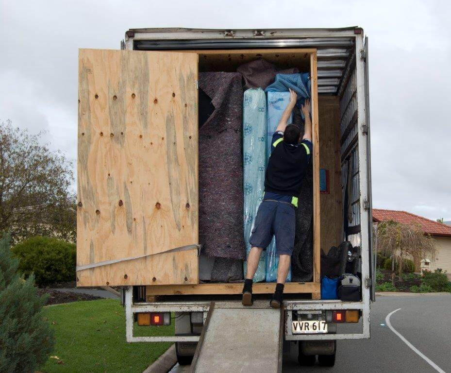 Furniture removal long distance/local service removal call:065 651 4777