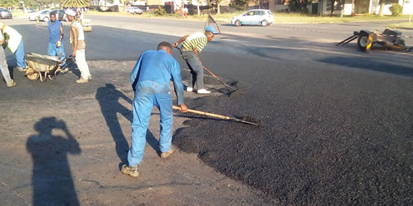Our professional tar services include: Tar Driveways Parking Lot Paving Sportsfields Tar Surfacing Striping & Stenciling Tar Sealcoating Tar paving Pretoria experts Tar road-marking