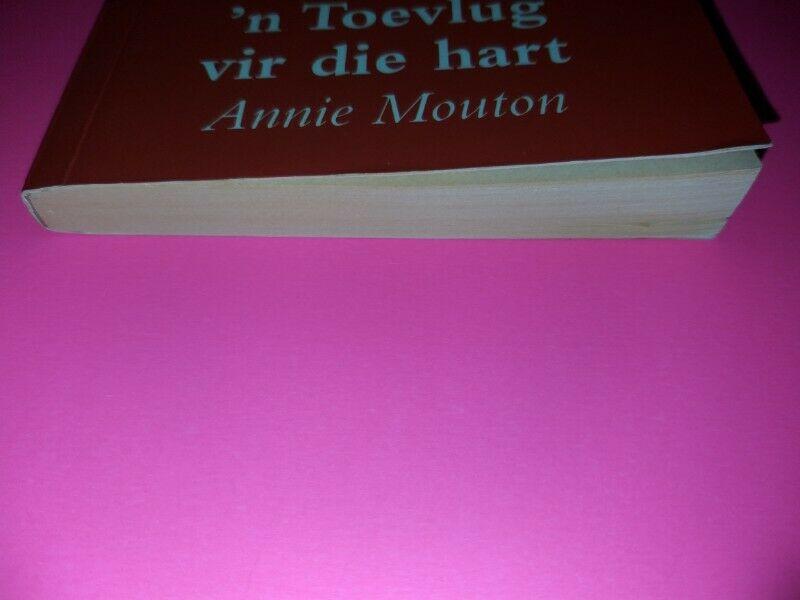 N Toevlug Vir Die Hart - Annie Mouton - Melodie.
