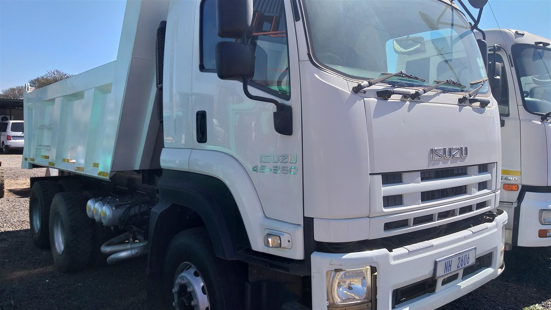 10 Cube Tipper Isuzu GXZ 45-360 in very good condition, for sale in Pretoria