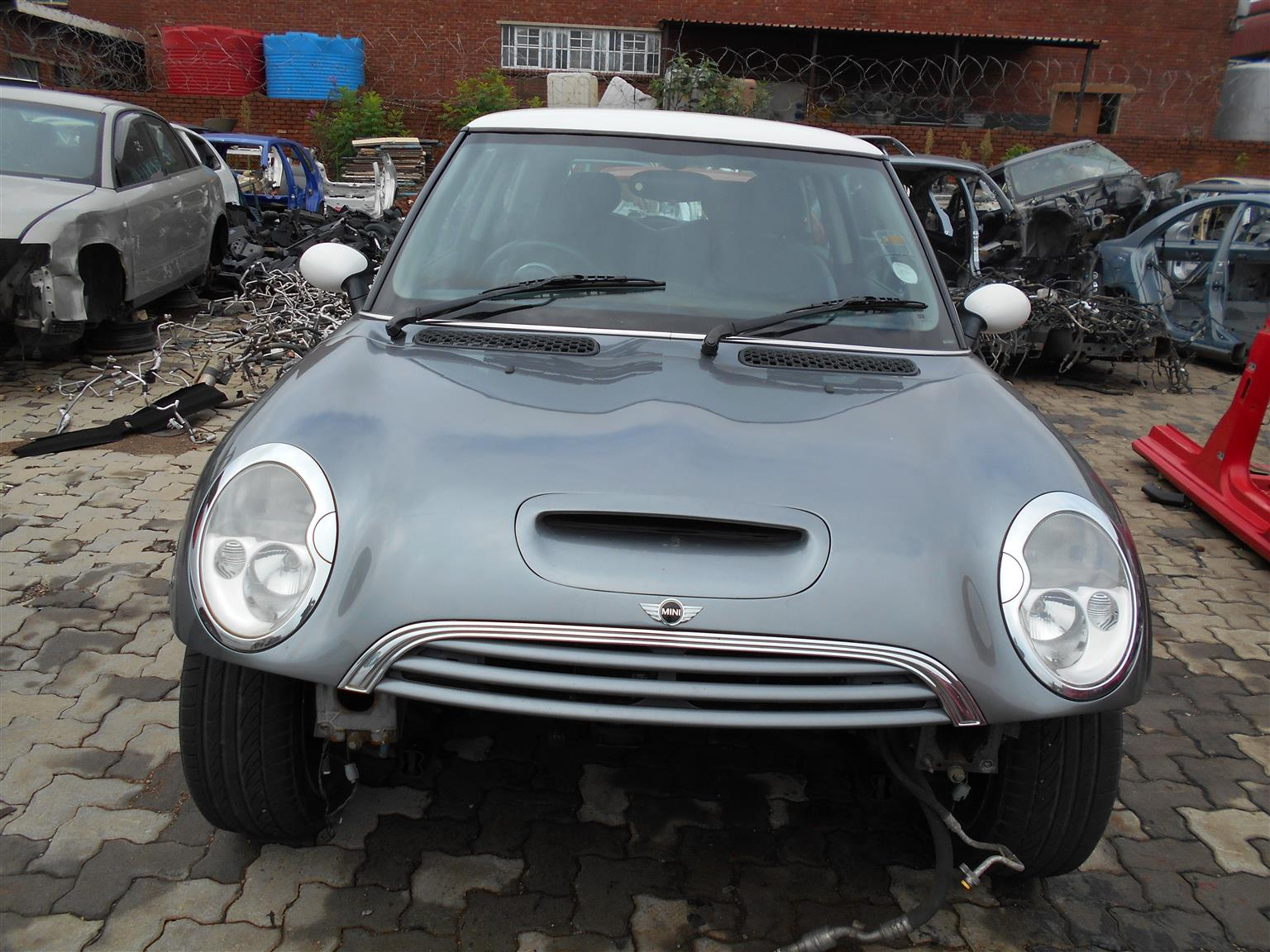 MINI COOPER S (2006) R53 ENGINE W11 Stripping for spares.