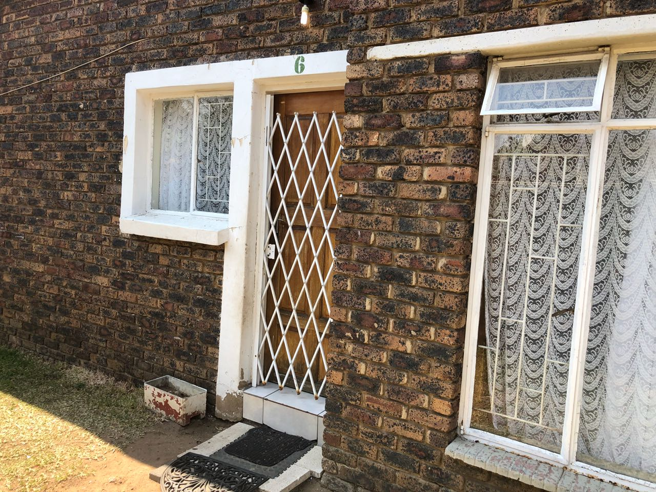2 Bedroom Flat to let in Model Park, Witbank - With Prepaid Electricity
