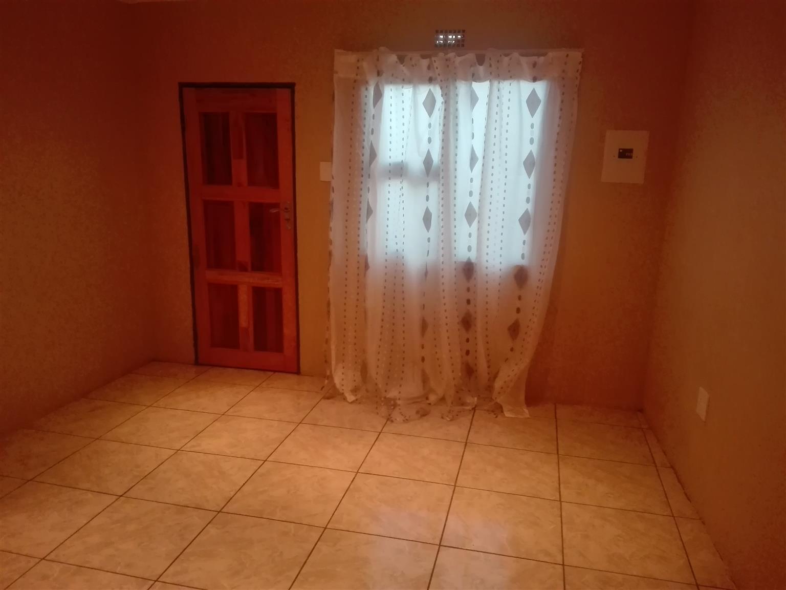 Big cottage for rentals in Protea Glen Ext 16