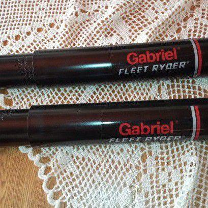 Gabriel schocks X2. Mercedes. 76033