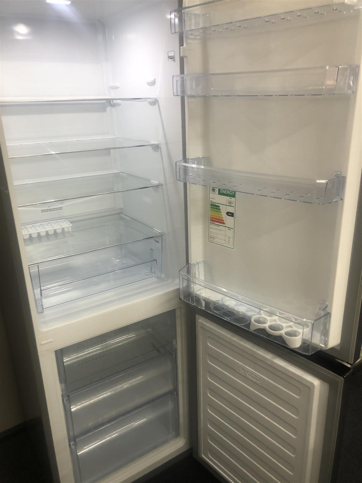 Fridge / Freezer Defy