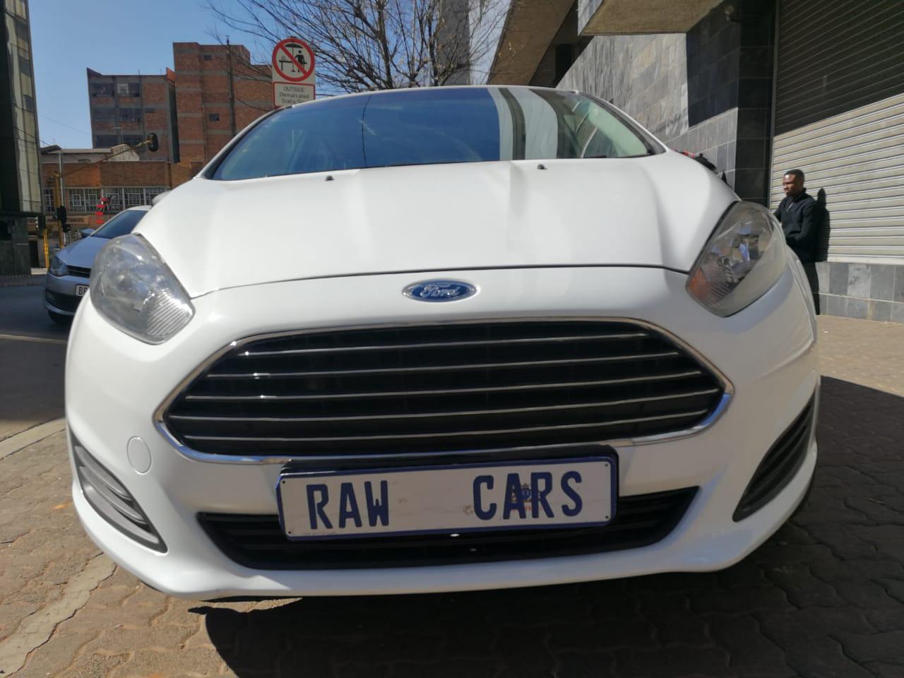 2015 Ford Fiesta 1.4 5 door Ambiente