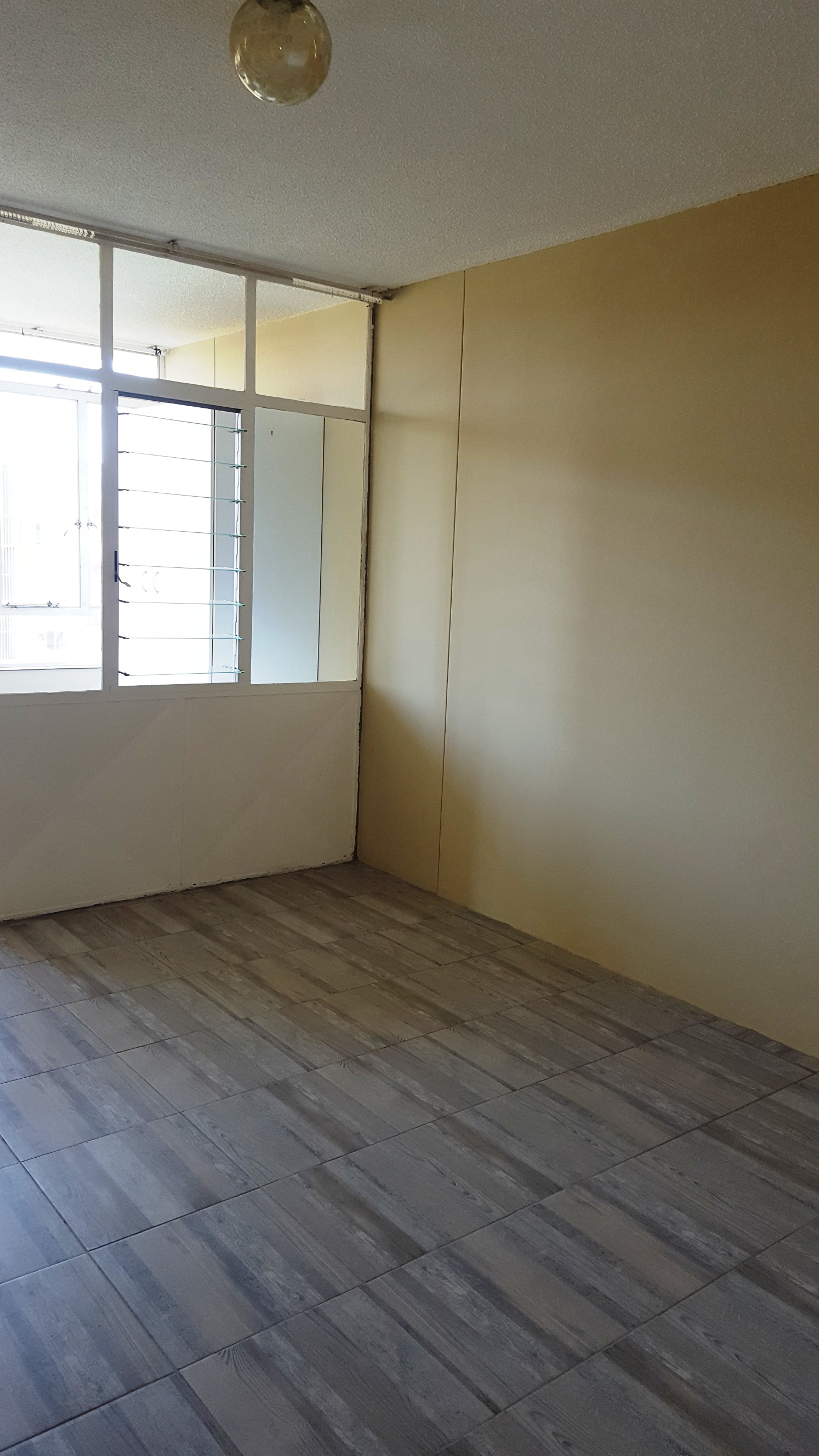 Elardus Park, safe & spacious apartment