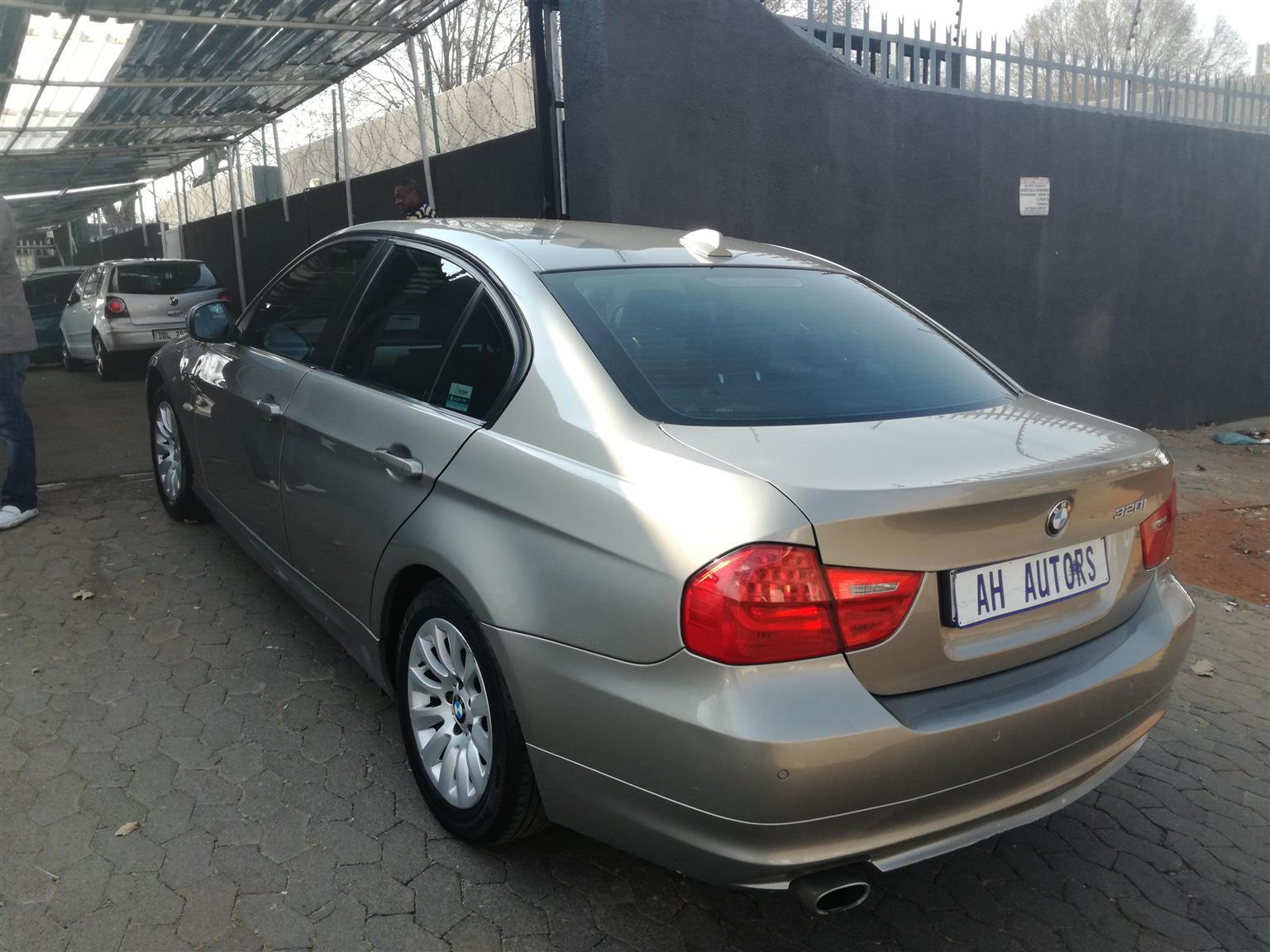 2010 BMW 3 Series 320i M Sport