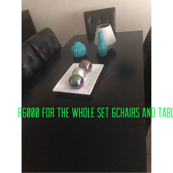 Dining table 6 seater leather chair