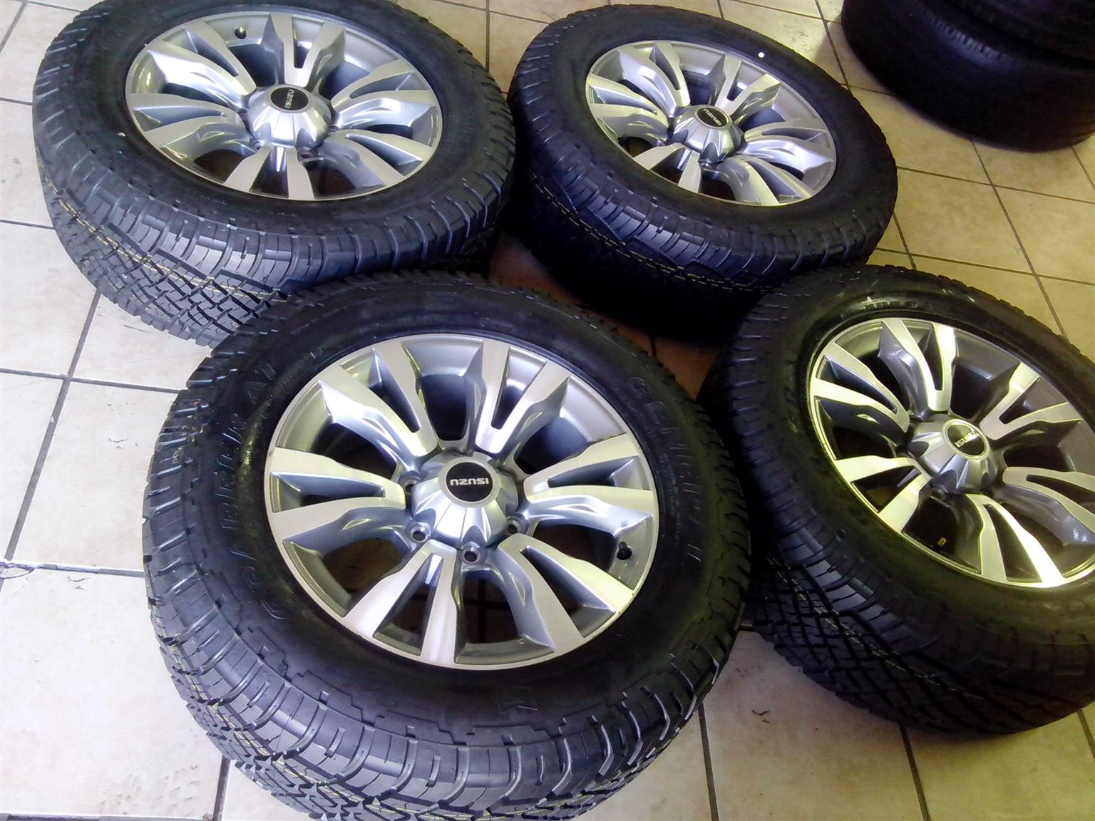 18 Inch Rims And Tires >> Isuzu 18 Inch Set Of Mags With Caps And Brand New 255 60 18 General Grabber A T Tyres Set Combo For R12999 00