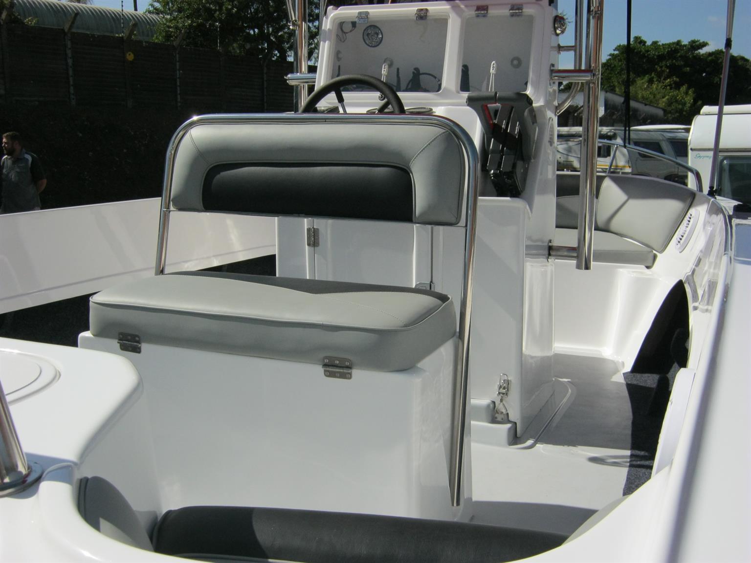 Explorer 540 C/C with 2 x yamaha 70HP motors
