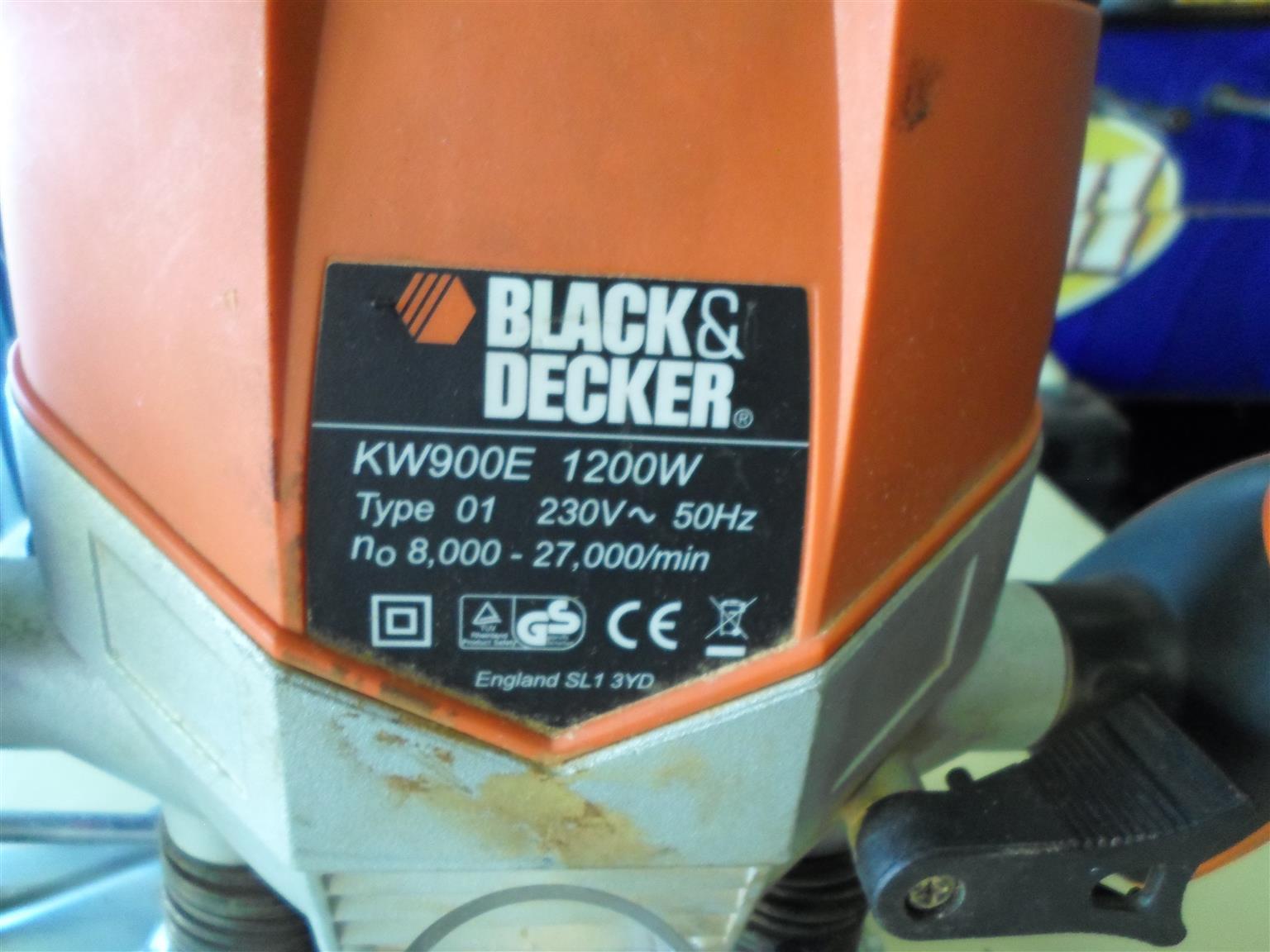 1200W KW900E Black & Decker Router