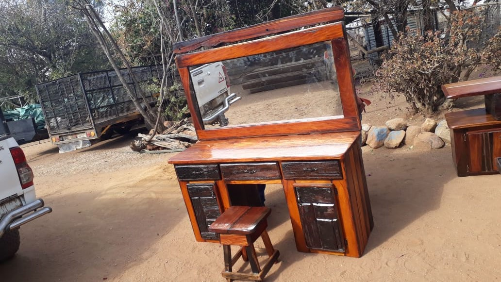 Sleeper wood dressing table