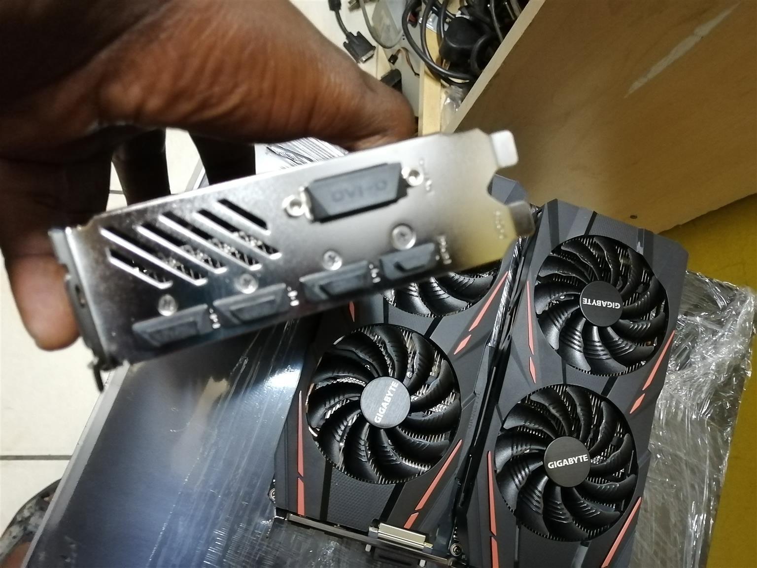 Gigabyte Radeon RX 570 Gaming 4G MI GV-RX570GAMING-4GD-MI 4GB GDDR5 25