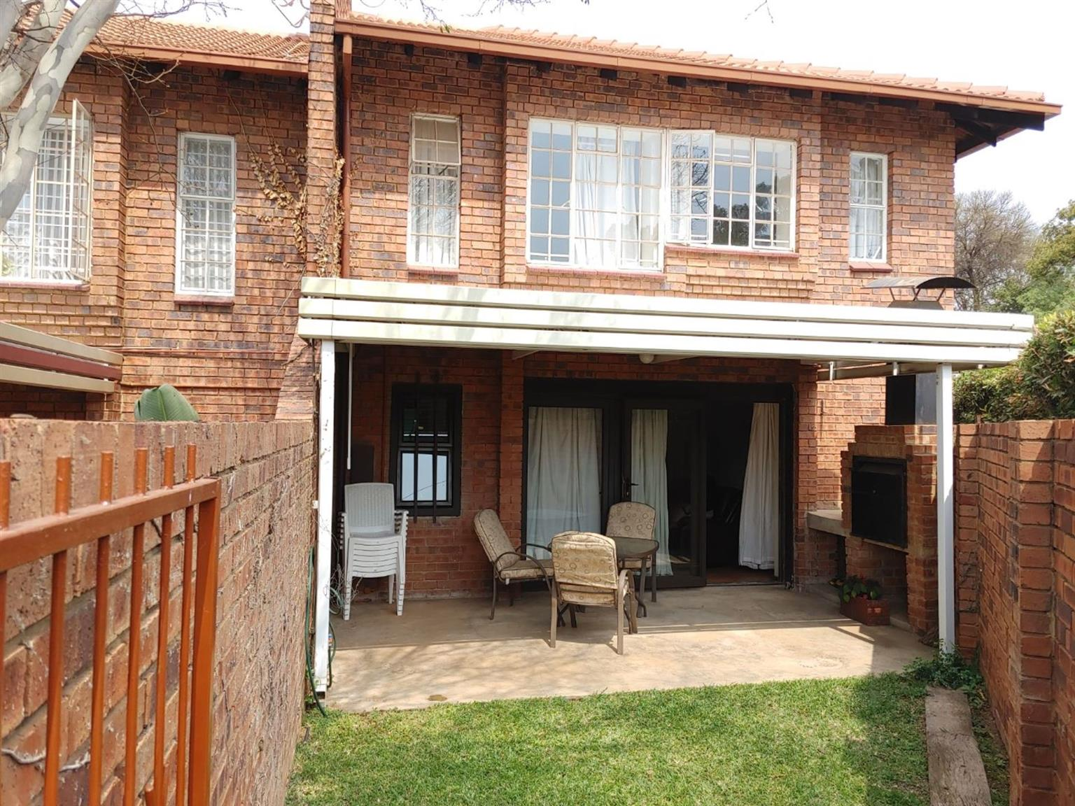 Townhouse For Sale in GARSFONTEIN