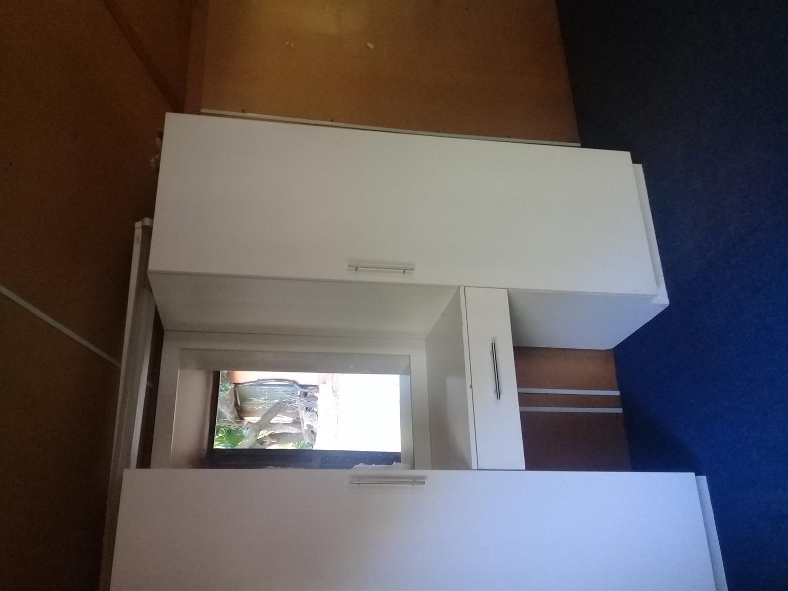 1 slaapkamer 1 badkamer kombuis | Junk Mail