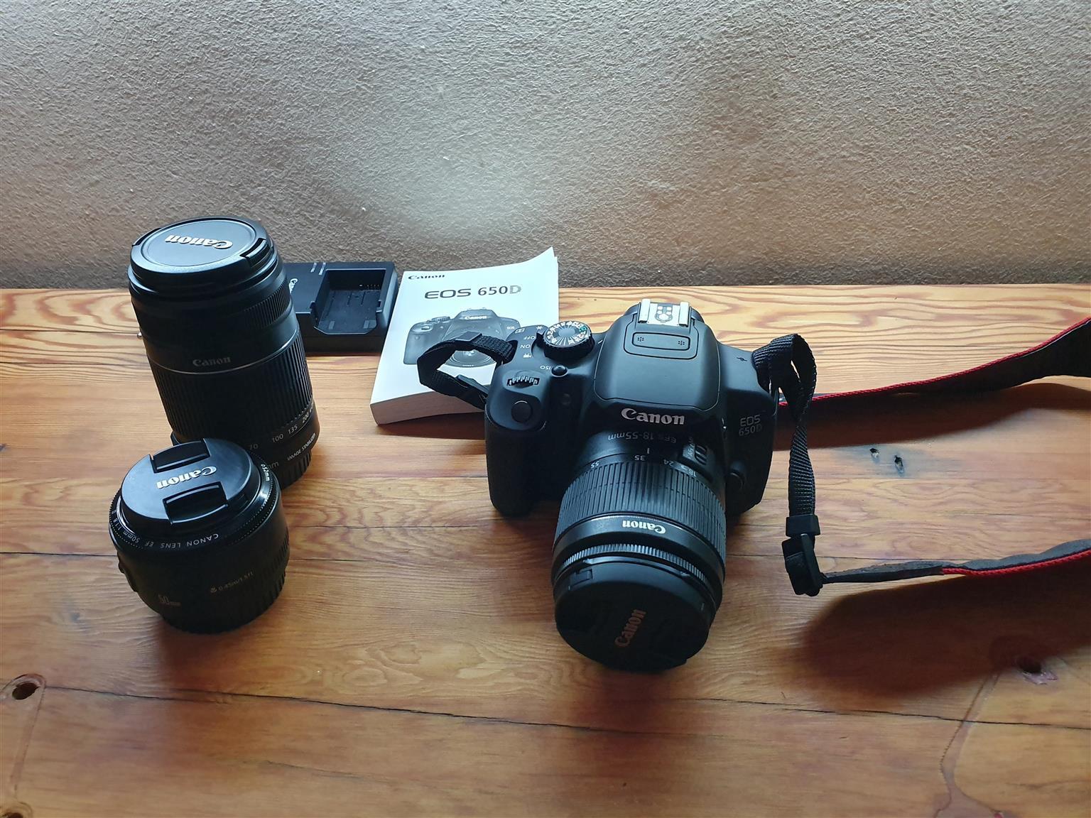 Canon EOS 650D SLR camera 3x lens kit