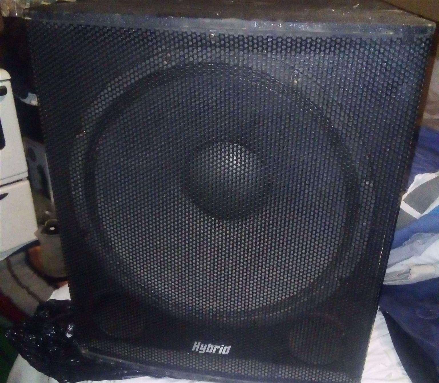 Hybrid speakers x 2 comes with Leem 8  channel and x 2 microphones