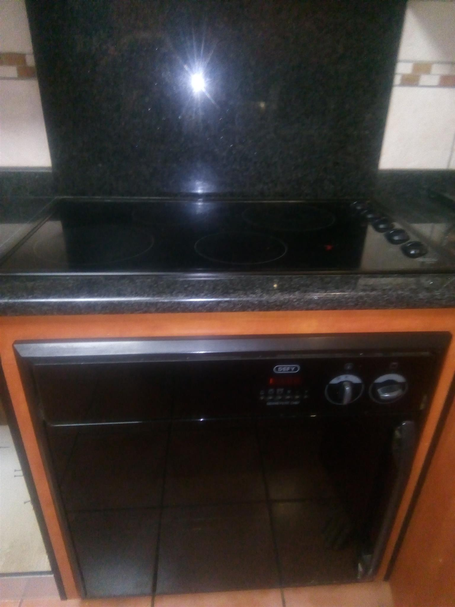 Very good condition working still everything to go for R2500 cash or nearest cash offer a