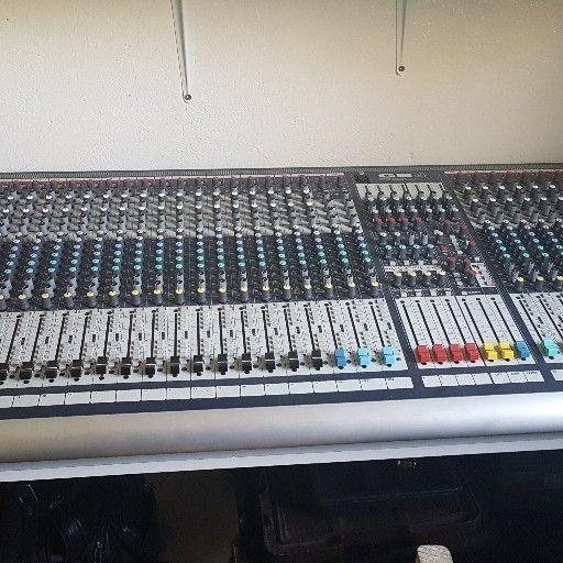 Sound Craft GB4(40 channel mixer)