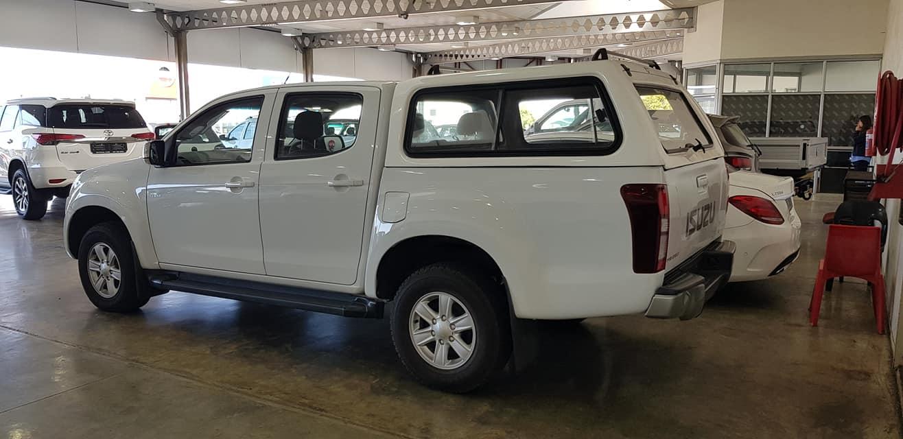 2015 Isuzu KB 250D Teq double cab 4x4 LE