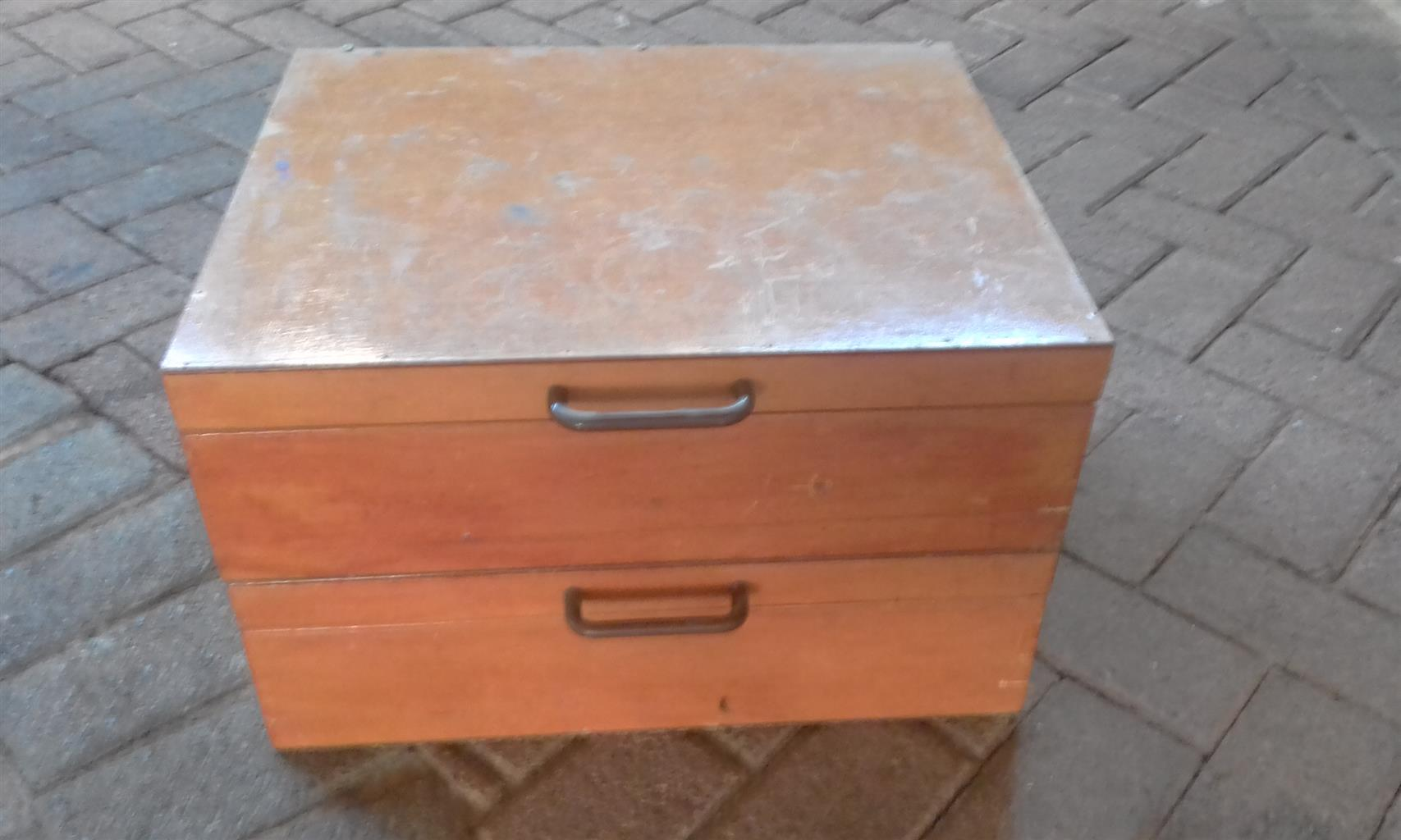 2Wooden fishing tackle boxes with stand and dips included