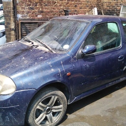 Cars for Stripping Renault