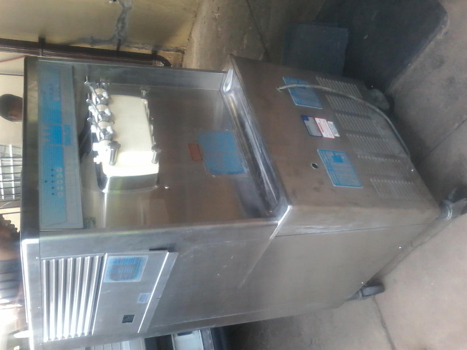 Taylor Ice Cream Machine (with Pump)