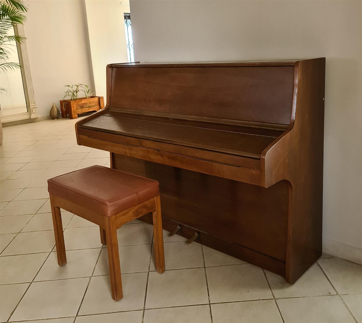 Piano Otto Bach