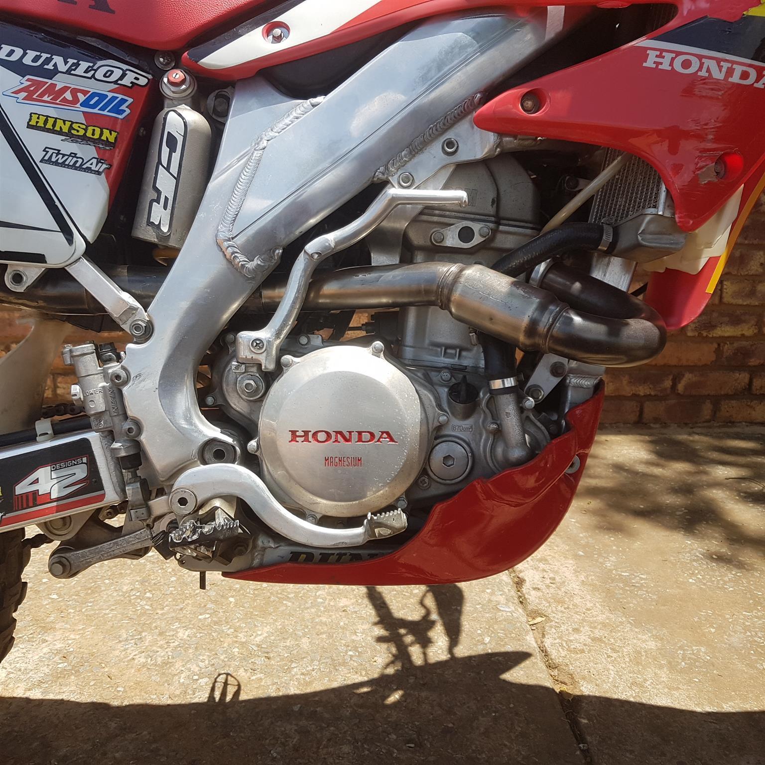 2004 Honda CFR
