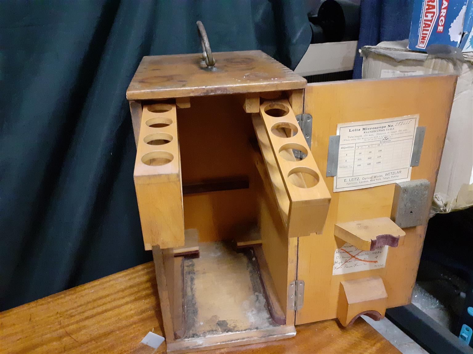 Antique - Ernest Leitz Wetzlar Microscope