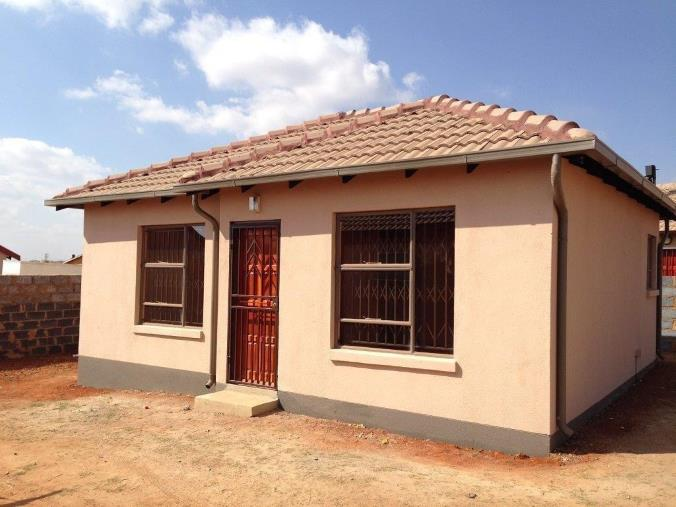 Protea Glen Ext 20 3bedroomed house to rent for R3800