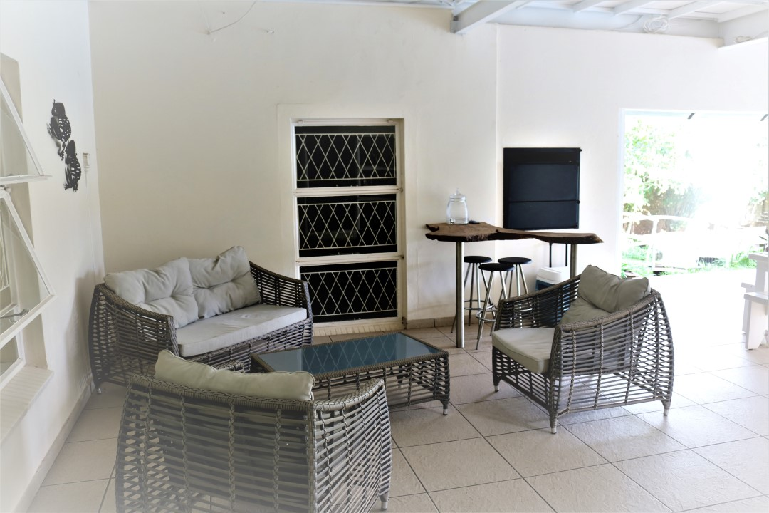 Modern house with warehouse, pool, games room, granny flat and second house for sale, Valley Settlements, Midvaal.