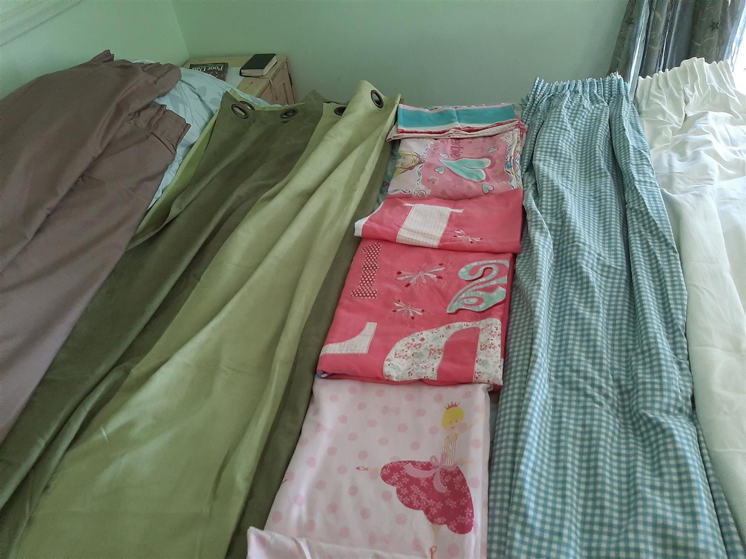 Curtains & bed linen