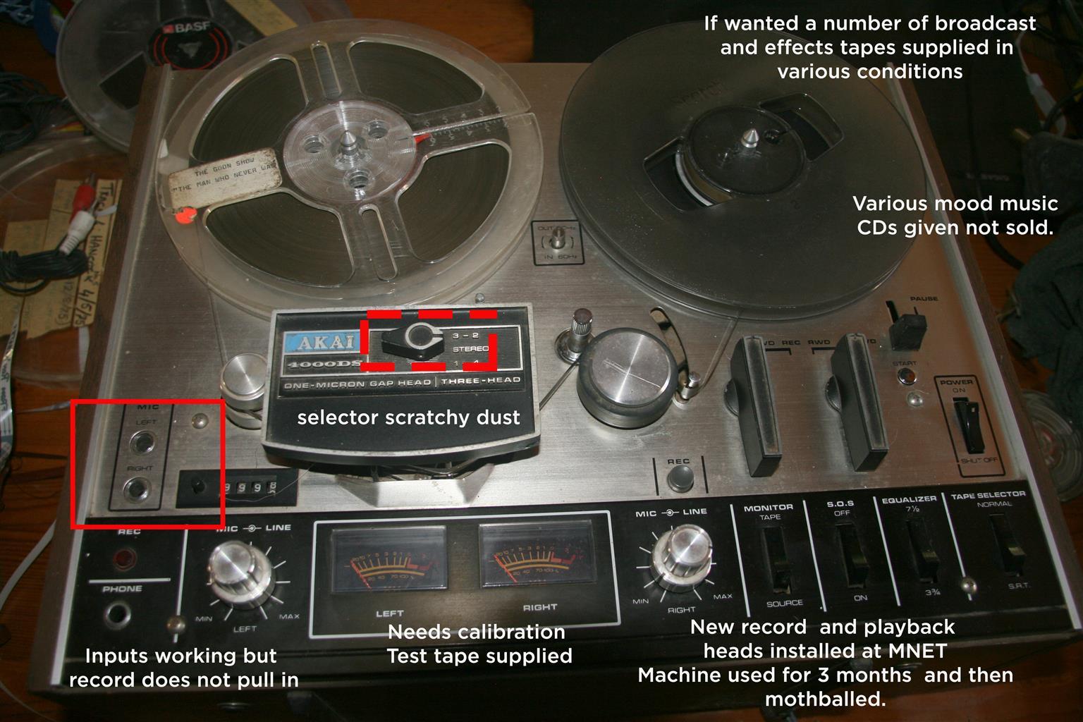 Vintage Akai 400DS reel to reel tape recorder