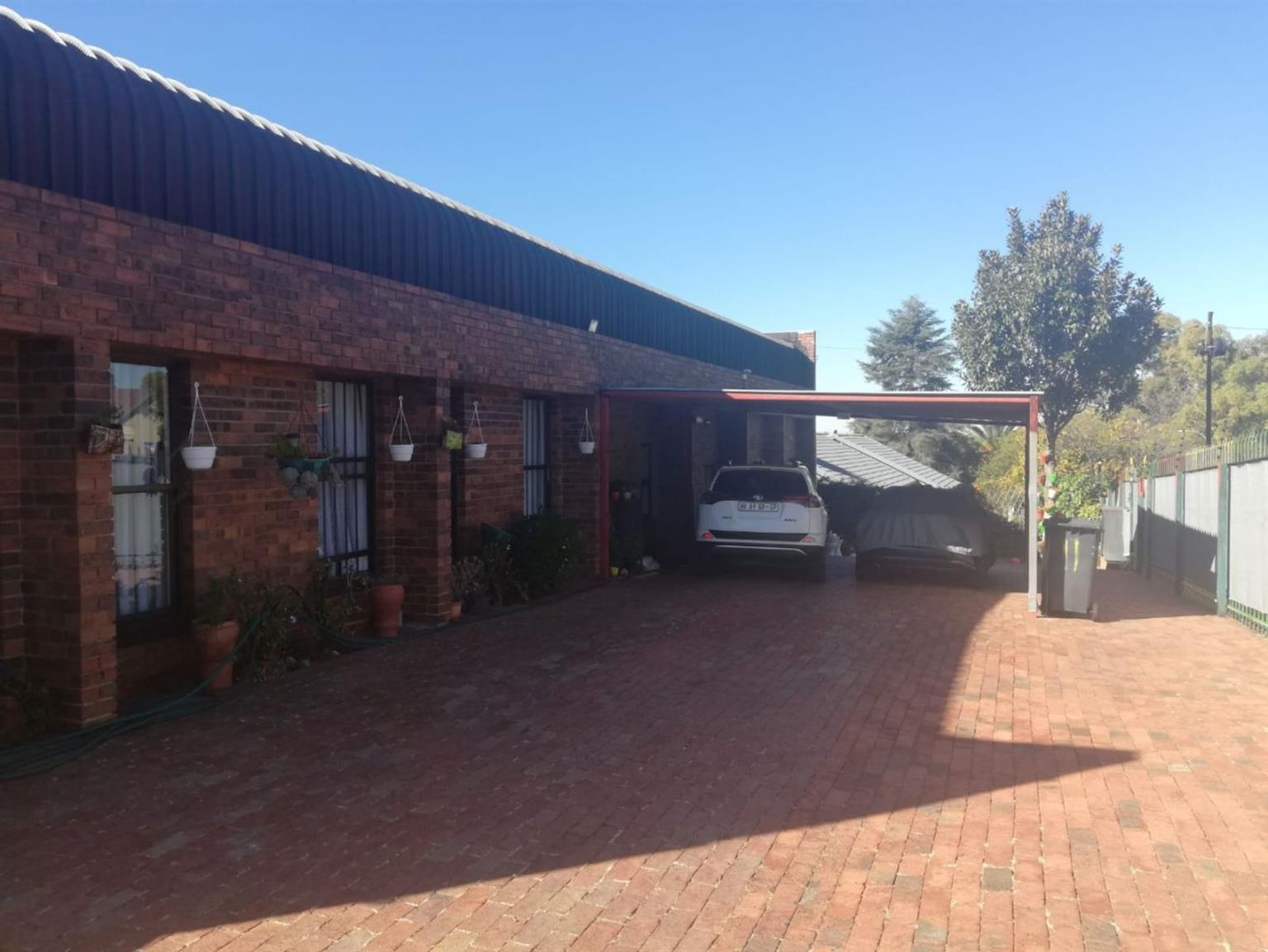 Office For Sale in BERGBRON
