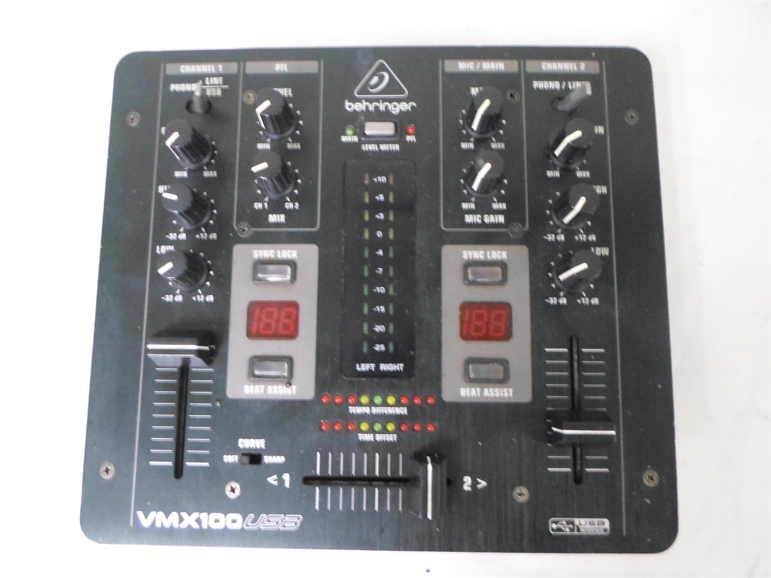 Mixer Behringer VMX100USB