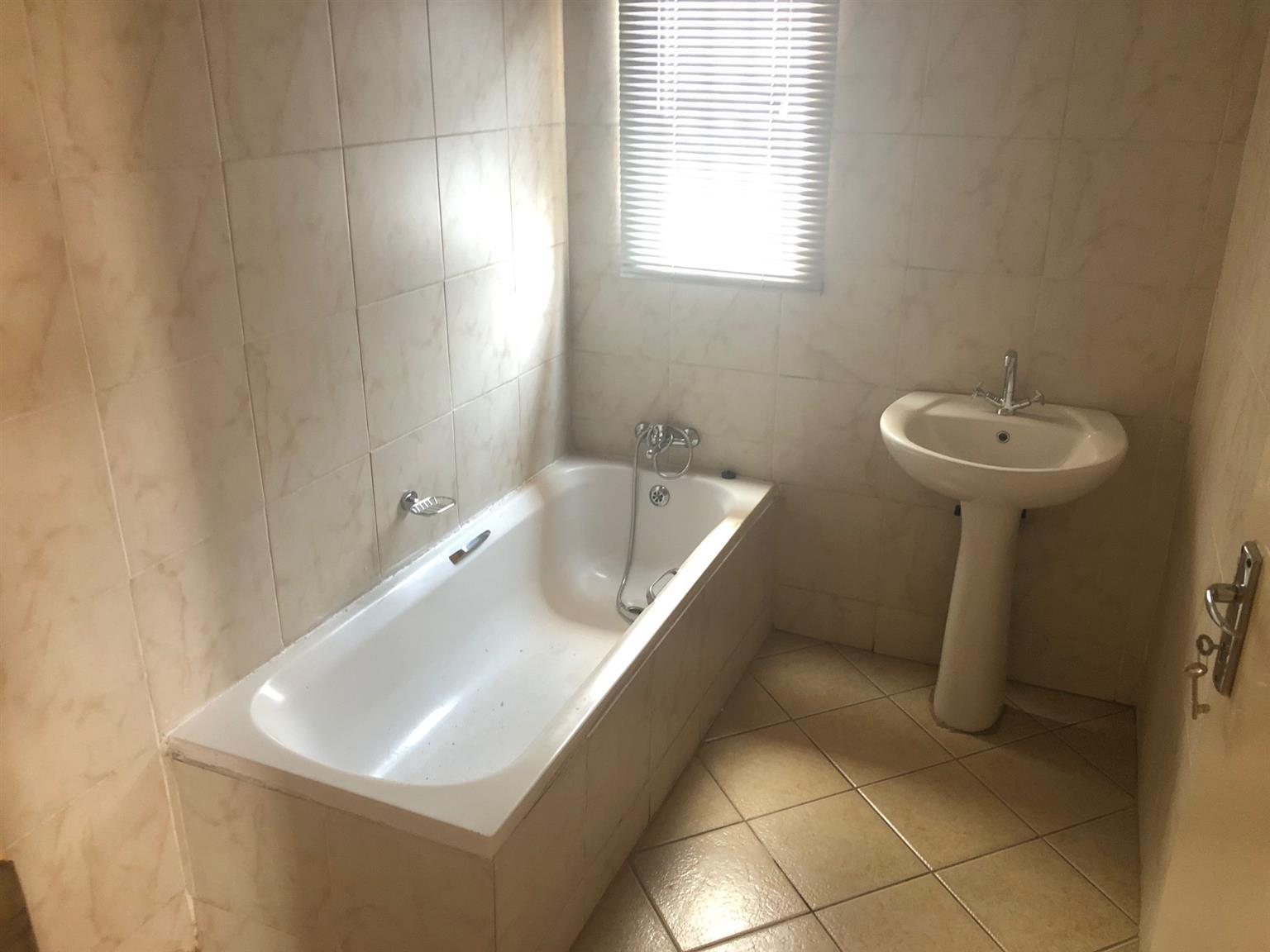 81 JORDAAN STR - 3 BEDROOM HOUSE IN AKASIA (RAPID RENTALS)