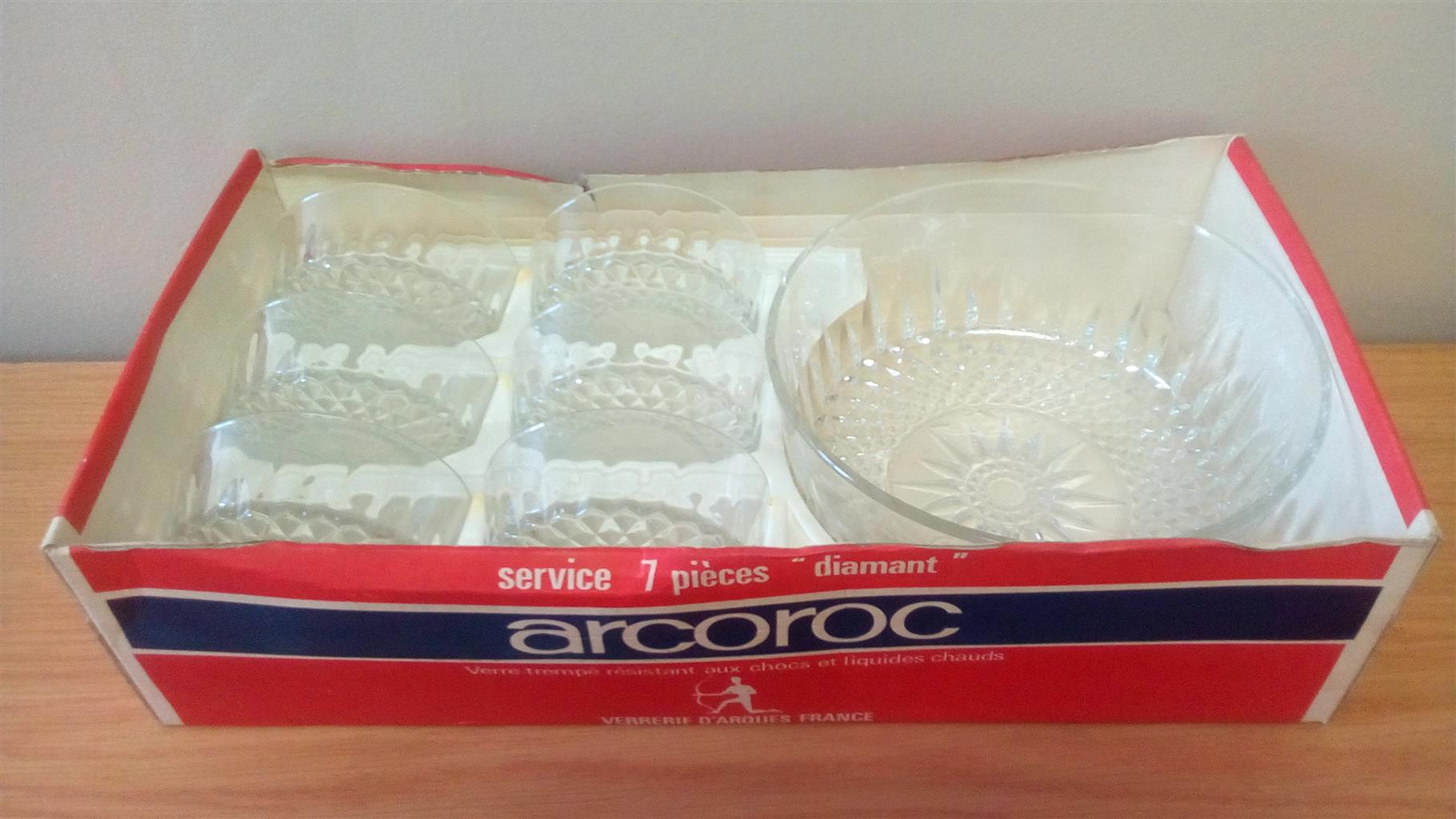 Arcoroc - 7 piece Diamant Salad Bowl Serving
