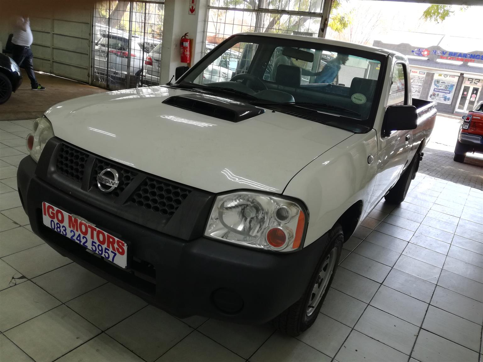 2014 Nissan NP300 Hardbody 2.5TDi Single Cab Manual 110,000km R117,000