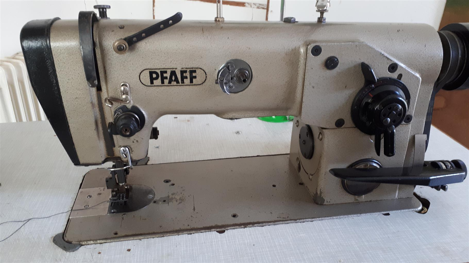 Paffaf hevey duty sewing mection on tabel