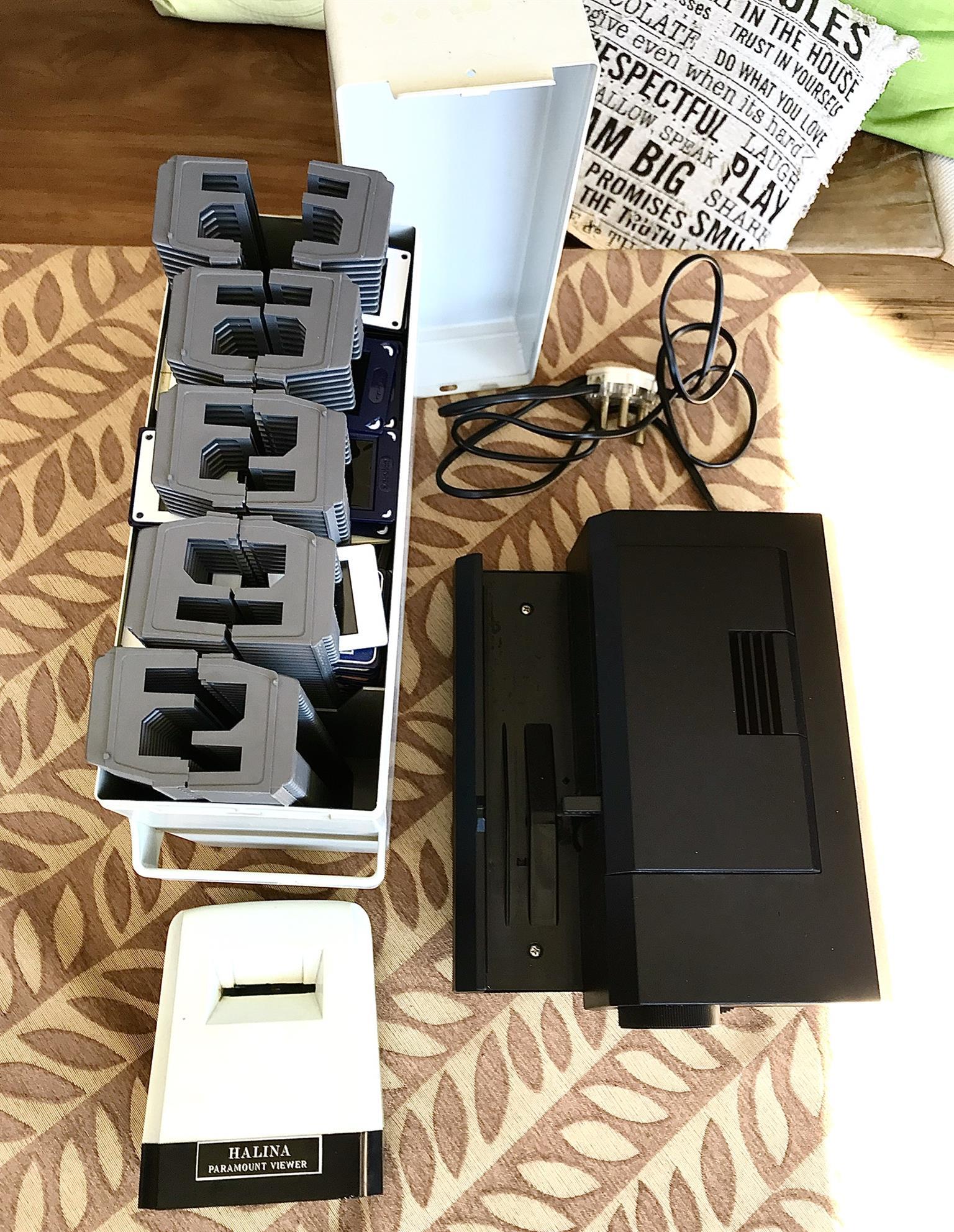 Slide photo projector