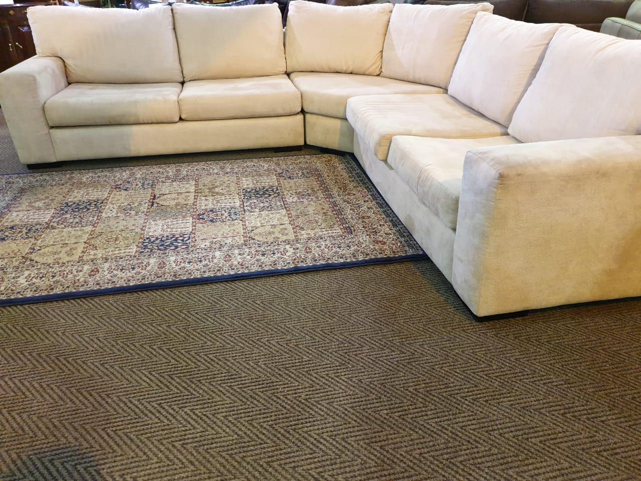 Sevens Corner Lounge Suite