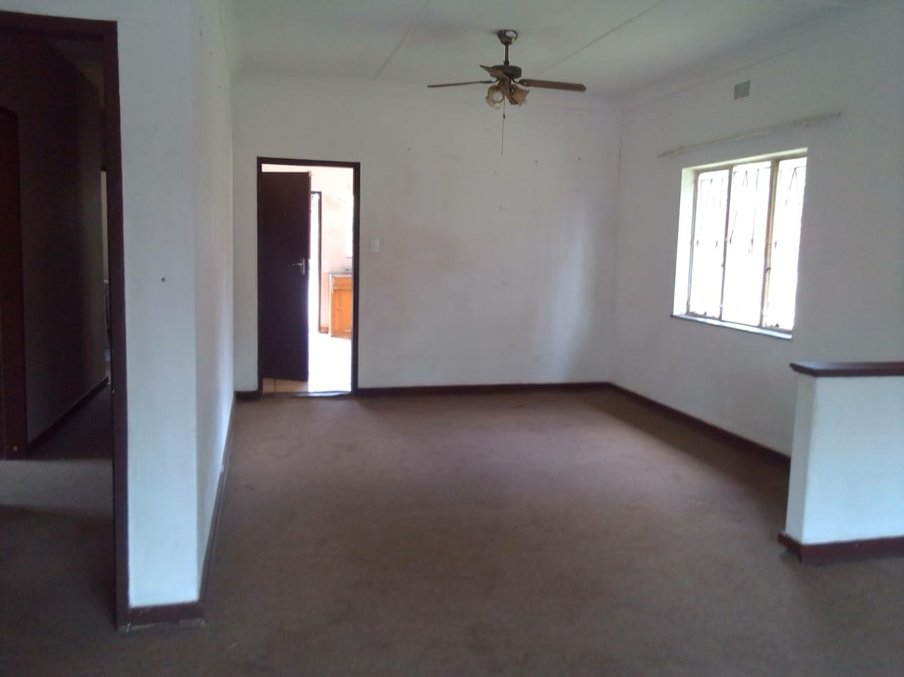 MODERN SPACIOUS HOUSE FOR SALE IN SILVERTON
